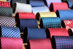 Raccolta delle cravatte da vendere Fotografia Stock