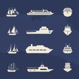 Raccolta delle icone della nave e della barca a vela sul lerciume illustrazione di stock