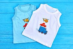 Raccolta delle magliette sveglie per i neonati Immagine Stock