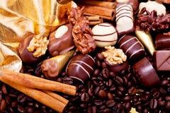Raccolta delle praline differenti del cioccolato zuccherato Immagini Stock