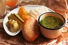 Raccolta di postumi di una sbornia, minestra, sottaceti Fotografia Stock