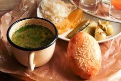 Raccolta di postumi di una sbornia, minestra, sottaceti Fotografie Stock Libere da Diritti