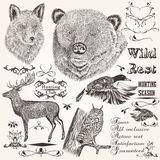 Raccolta di progettazione disegnata a mano di stagione di caccia degli animali di vettore royalty illustrazione gratis