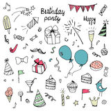 Raccolta di scarabocchio di compleanno degli elementi di colore dipinti a mano, royalty illustrazione gratis