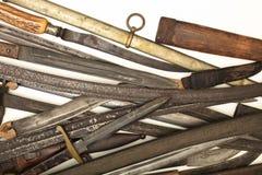 Raccolta di vecchi spade e pugnali Fotografie Stock