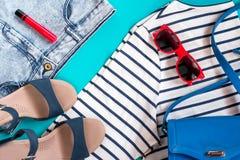 Raccolta femminile dell'abbigliamento di estate di tema del mare Fotografia Stock Libera da Diritti