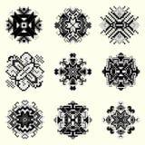 Raccolta monocromatica della mandala del pixel degli oggetti d'annata Immagine Stock
