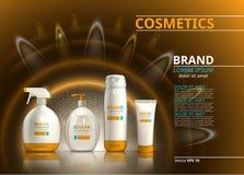 Raccolta realistica dell'insieme di prodotto di protezione di Sun Le bottiglie cosmetiche con l'etichetta di logo progettano su u Immagini Stock Libere da Diritti