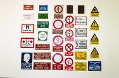 Raccolta rumena dei segnali di pericolo Fotografia Stock
