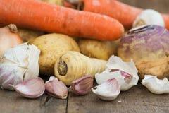 Raccolta stagionale compreso le patate, parsni delle verdure di inverno Fotografie Stock