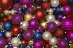 Raccolta variopinta delle palle di Natale utili come modello del fondo Immagini Stock Libere da Diritti