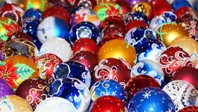 Raccolta variopinta delle palle di Natale utili come PA del fondo Fotografia Stock