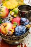 Raccolto di caduta di frutti Immagine Stock