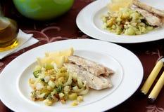 Raccordo del merluzzo con la verdura arrostita - cavolo cinese, finocchio e sedano Fotografia Stock Libera da Diritti