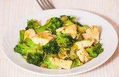 Raccordo del pollo con i broccoli Fotografia Stock