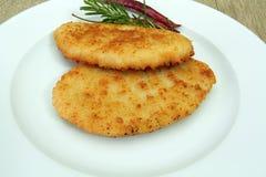 Raccordo del pollo o della carne di maiale impanato fotografia stock libera da diritti