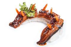 Raccordo dell'anguilla di maki dei sushi intero fotografie stock