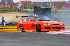 Racecar Antrieb Lizenzfreie Stockfotos
