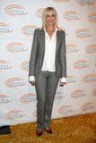 Rachelle到达第7顿每年狼疮LA流浪妇人午餐的卡森Begley 免版税库存图片