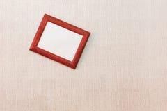Rachitische lege omlijsting op de muur stock foto's