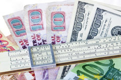 rachunków pieniądze władcy skala Obraz Royalty Free