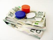rachunki żetonów dolara do pokera. zdjęcia stock