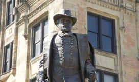 50 rachunków zamknięta dramatycznie zaświecał s dramatycznie dotacja Ulysses Grant statua Obraz Stock