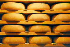 Raclette del queso en el refinamiento foto de archivo libre de regalías
