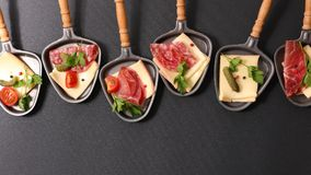 Raclette ost arkivfoto