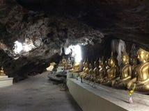 RAD AV BUDDHASTATYER THAILAND Arkivbild