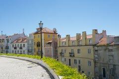 Rad av byggnader i Lissabon, Portugal Arkivfoto
