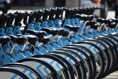 Rad av cyklar Royaltyfria Foton
