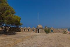 Rad av embrasures i Fortezza av Rethymno Fotografering för Bildbyråer