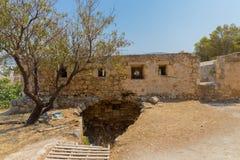 Rad av embrasures i Fortezza av Rethymno Arkivfoton