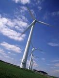 Rad av fem vindturbiner Fotografering för Bildbyråer