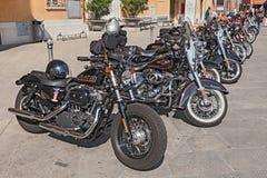 Rad av Harley Davidson mopeder Arkivbilder