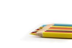 Rad av kulöra blyertspennor för pastell Royaltyfria Bilder