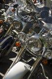 Rad av motorcykelbillyktor Royaltyfri Fotografi