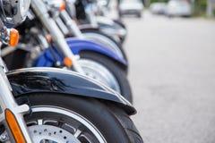 Rad av motorcyklar Royaltyfri Bild