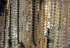 Rad av pärlor royaltyfria foton