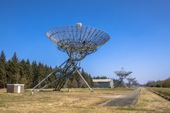 Rad av radioteleskop Fotografering för Bildbyråer