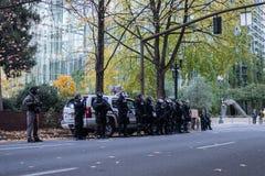 Rad av snutar i tumultkugghjul i Portland, Oregon royaltyfri foto