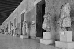 Rad av statyer Arkivbild