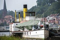 Rad-Dampfer auf der Elbe Stockbilder