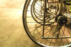 Rad des Rollstuhls im Krankenhaus Lizenzfreies Stockbild
