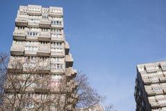 Rada domy w dużych drapaczach chmur w Londyn Obrazy Stock
