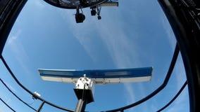 Radar ed antenna radiofonica sul cargo avanzato video d archivio