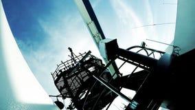 Radar et antenne par radio sur le cargo avancé Images libres de droits