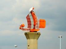 Radar på den London heathrow flygplatsen Royaltyfri Fotografi