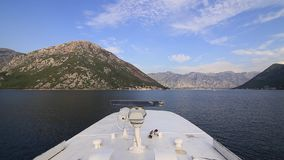 Radar på fartyget Systemet för navigering för skepp` s Kotor fjärd, arkivfilmer